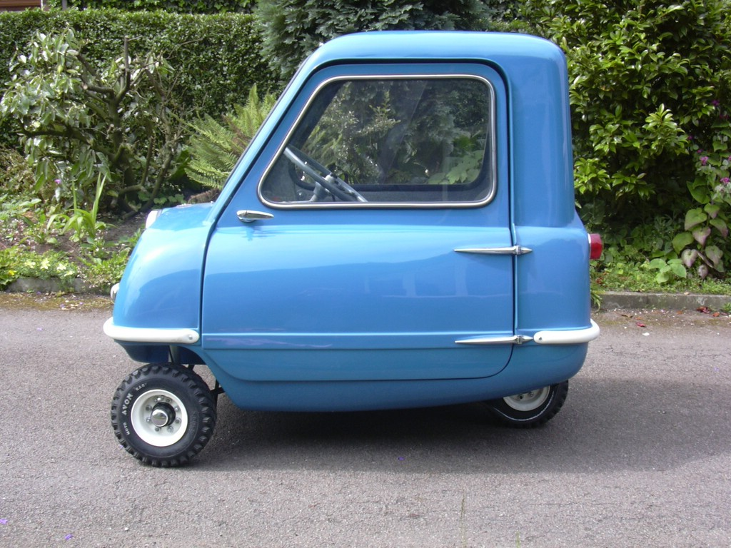 la plus petite voiture au monde